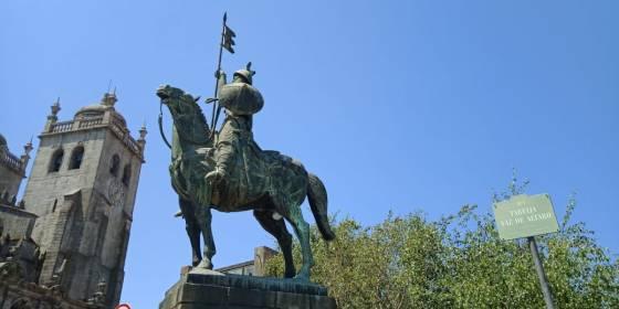 Statue of Vimara Perez, Porto, Portugal